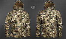 Load image into Gallery viewer, Men's Military Camouflage Fleece Jacket