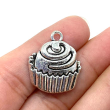 Load image into Gallery viewer, Large Silver Cupcake