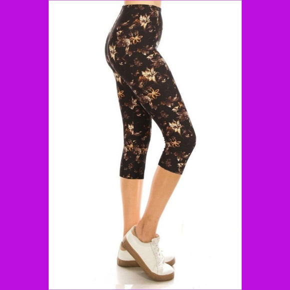 Printed High Waisted Capri Leggings With An Elasticized