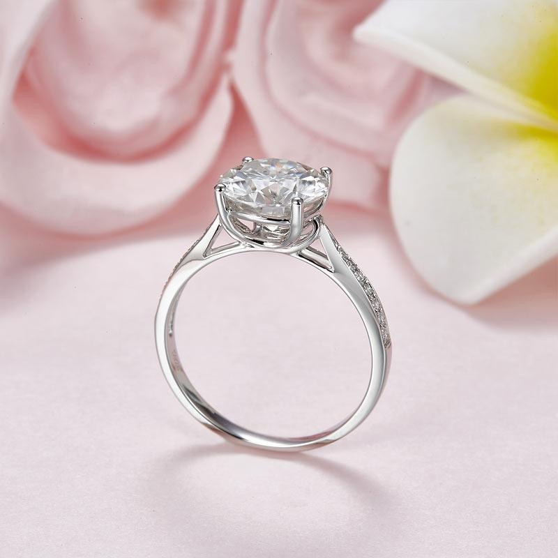 2.5 Carat Moissanite Diamond (9 mm) Luxury Ring Engagement 925 Sterling Silver