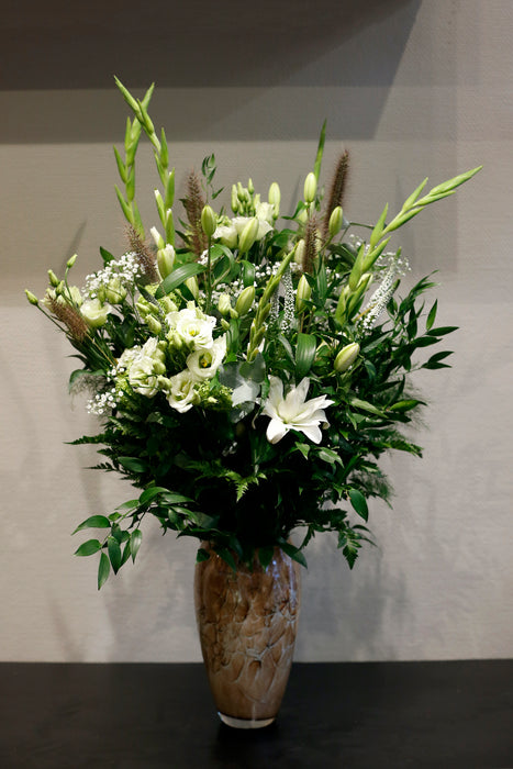 "BOUQUET WHITE ""WILDLY SUITABLE"