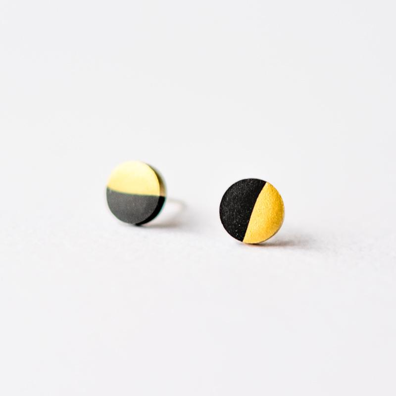 Black Gold Dipped Circle Stud Earrings