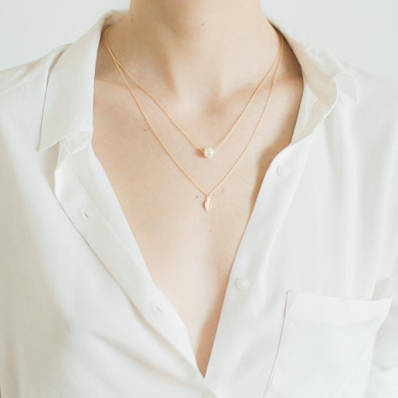 Double Layered Pearl and Leaf Necklace
