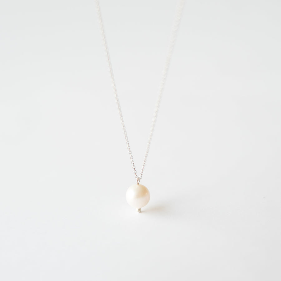 Freshwater Pearl Necklace in Silver