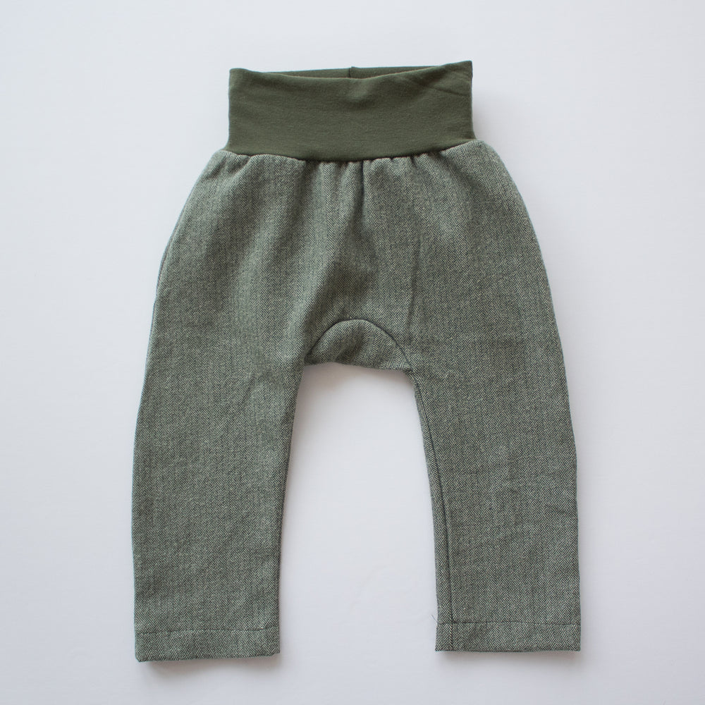 Everyday Pant in Moss Flannel