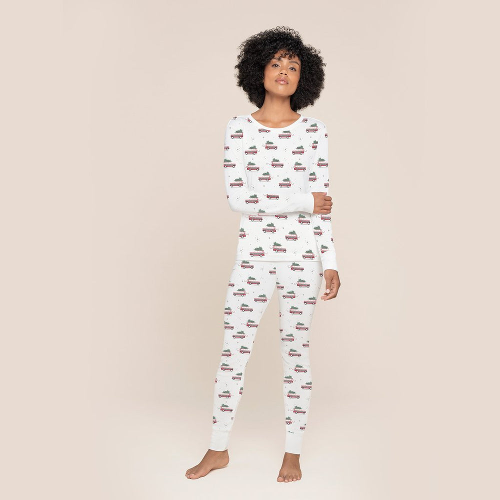 Petit Lem Home for the Holidays Women's Pajama Set, Off White