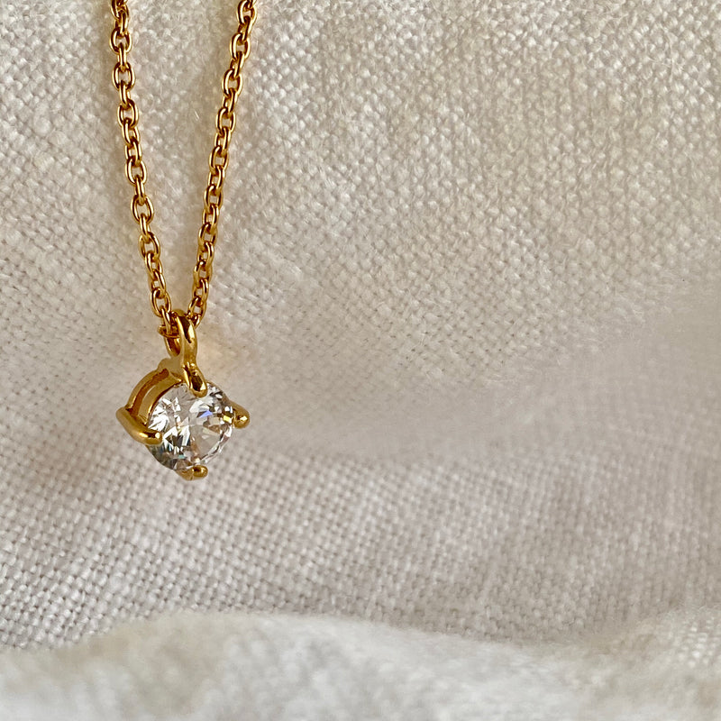 Isabel Solitaire Necklace 18ct Gold Vermeil