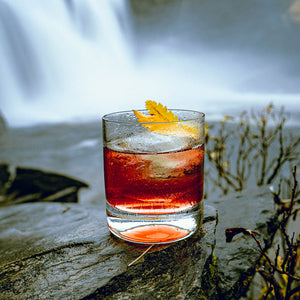 "Load image into Gallery viewer, Nordic Negroni Arctic Bramble ""Åkerbär"" 