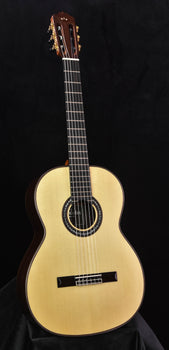 Cordoba C10 Spruce with case