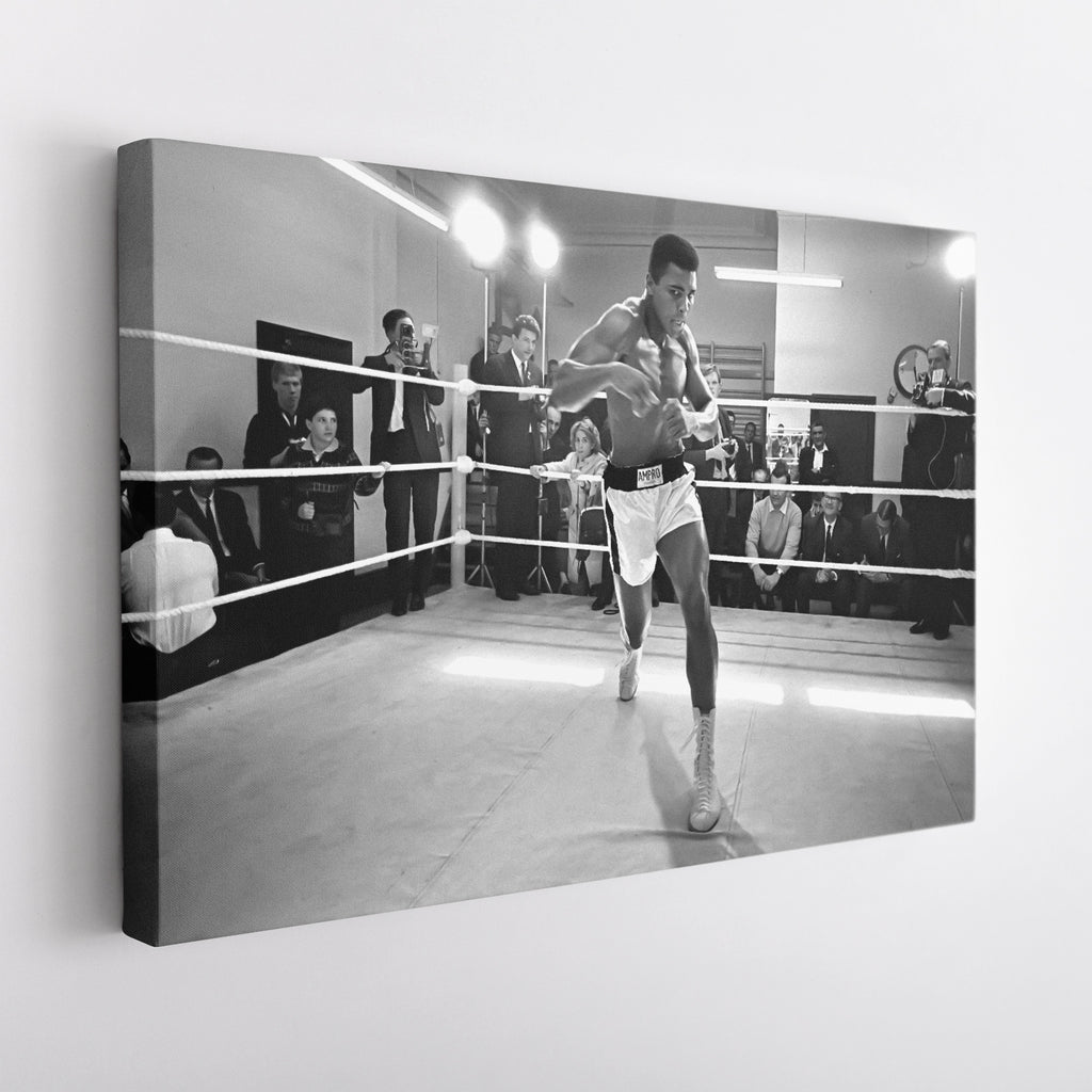 Muhammad Ali training for his fight against Brian London August 1966. - Canvas