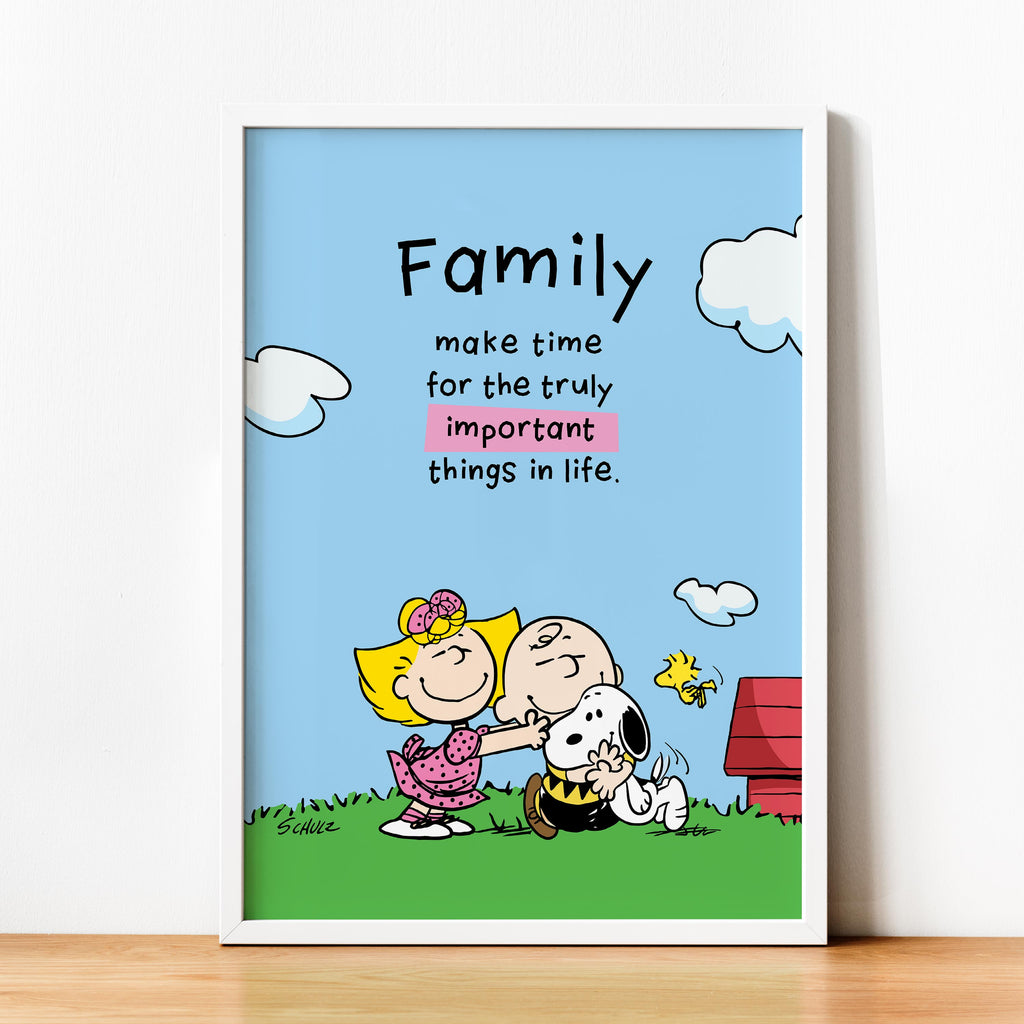 "Snoopy with Charlie, Sally Brown and Woodstock. ""Family -make time for the truly important things in life"" - Framed poster"