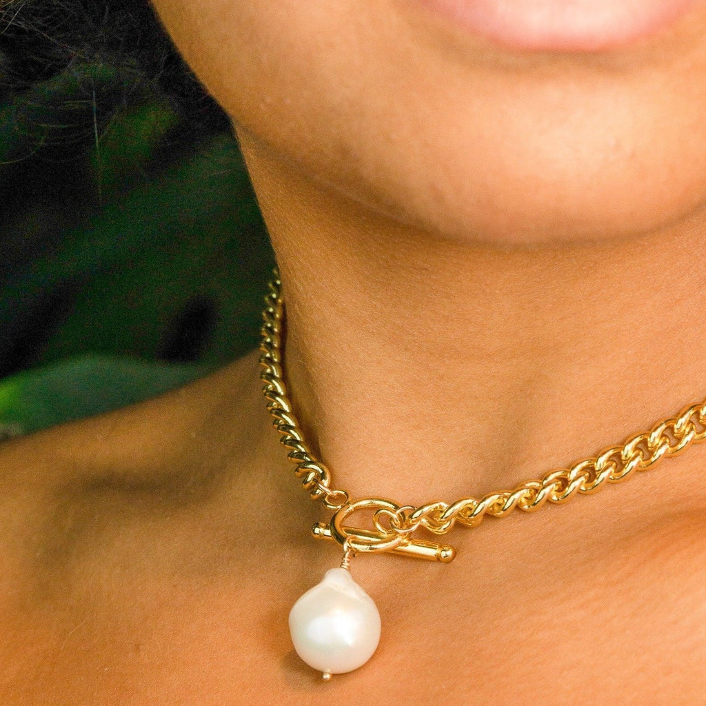 Pearl Toggle Necklace