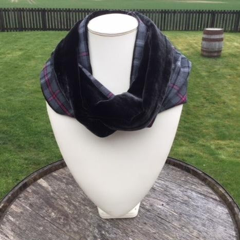 Heart of The Highlands Infinity Scarf