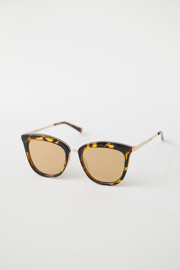 ad8afab696 Le Specs Caliente Sunglasses   Syrup Tort