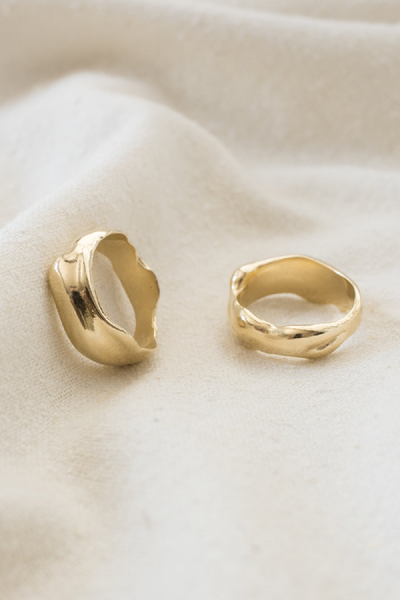 Merewif Droplet Ring / Gold Parc Shop