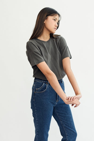 Le Bon Shoppe Her Tee T-Shirt Worn in Black Charcoal Grey Anthracite Made in LA Super Soft Oversized Fit Garment Dyed Boyfriend Fit- Parc Shop