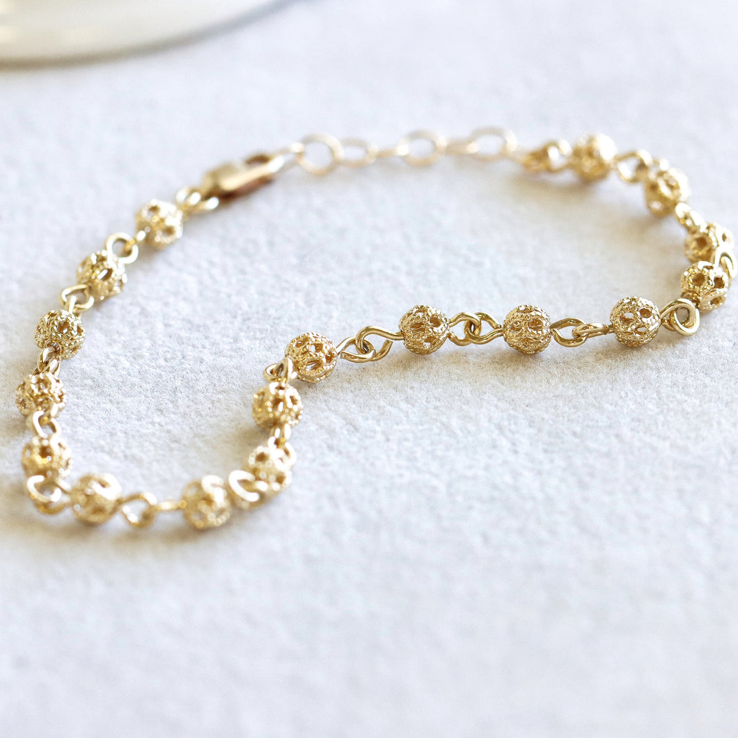Filigree Ball Gold Chain Bracelet