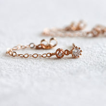 Load image into Gallery viewer, Circle U Chain Rose Gold Earrings