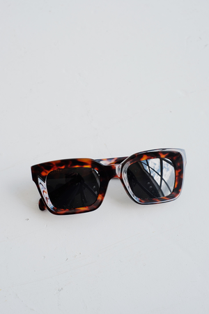 SAMPLE SUNGLASSES — MOOG