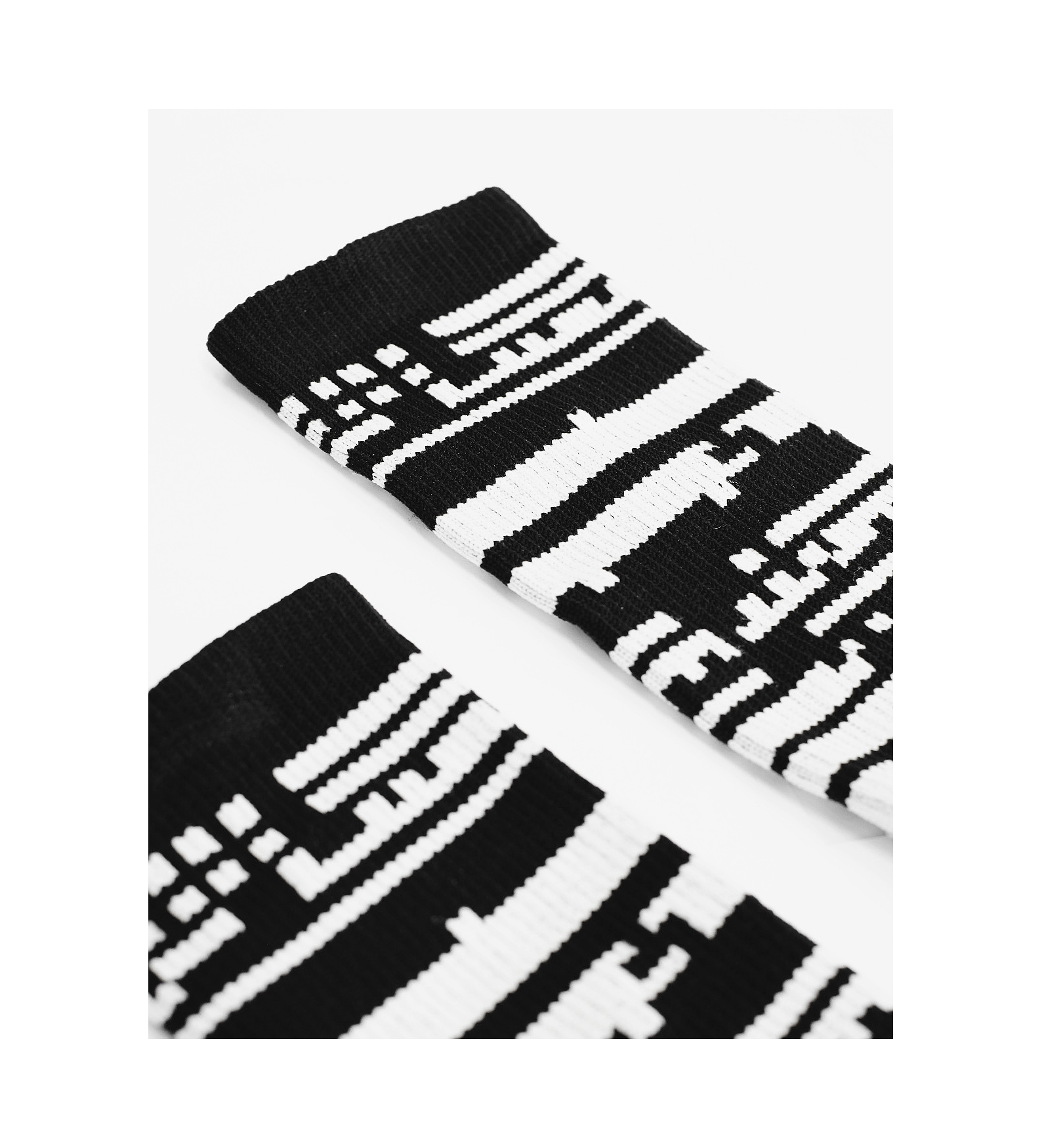 Theory Socks — Black