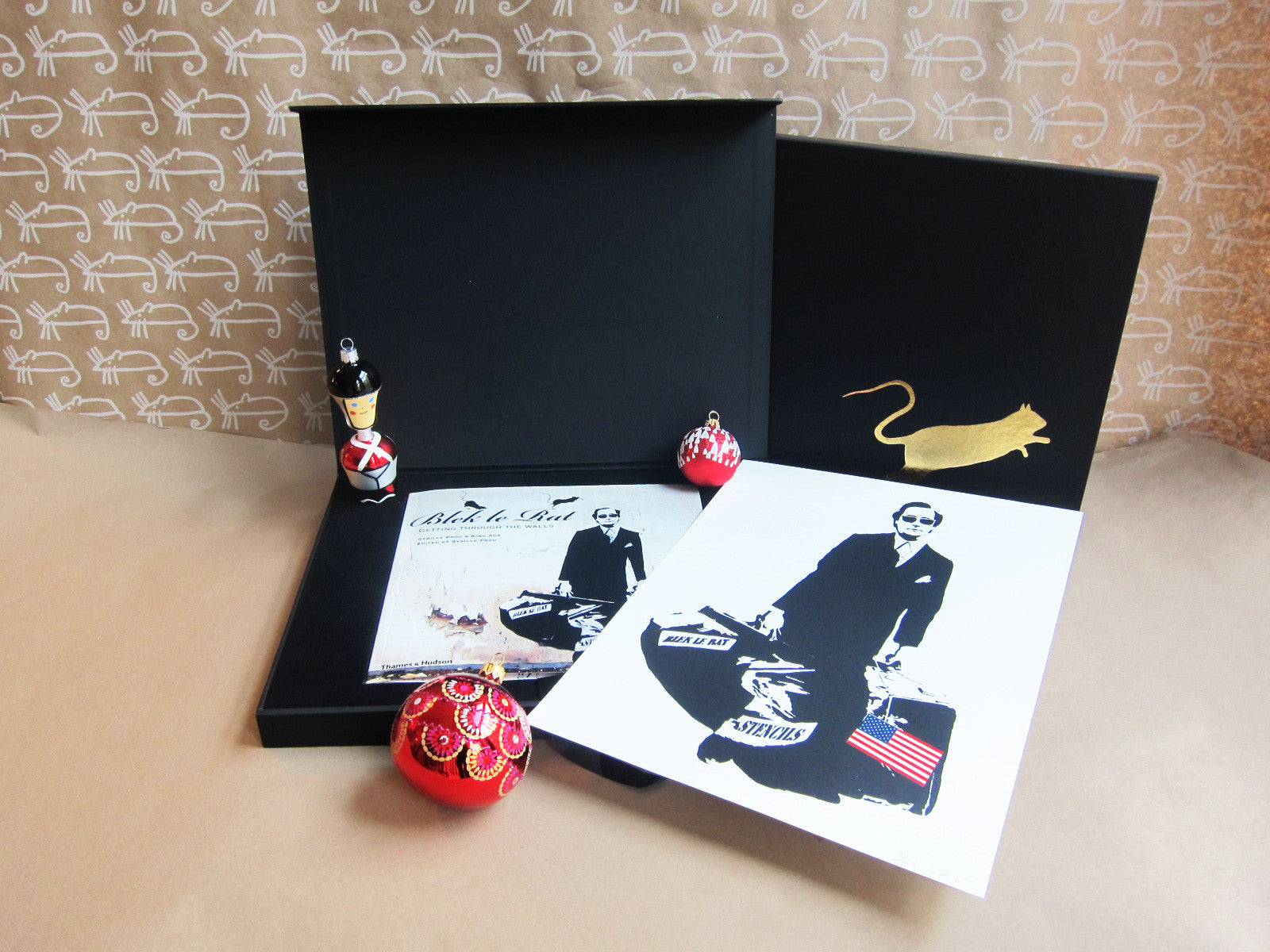 INTERNATIONAL: Limited Edition Blek Le Rat Box