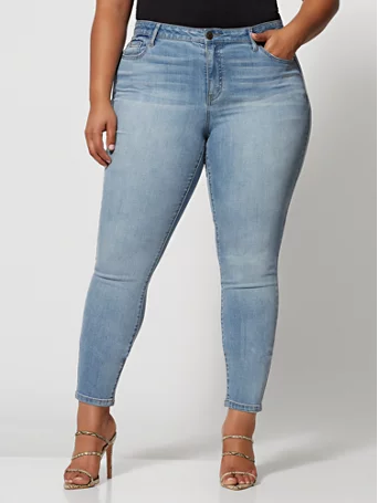 Light Wash CrossHatch Skinny Jean