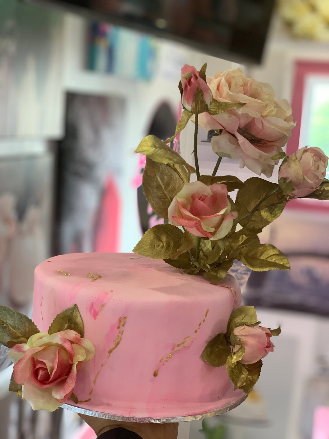 Pink and Gold Flowers Cake