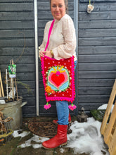 Afbeelding in Gallery-weergave laden, Lola Tote Bag Deutsch terms