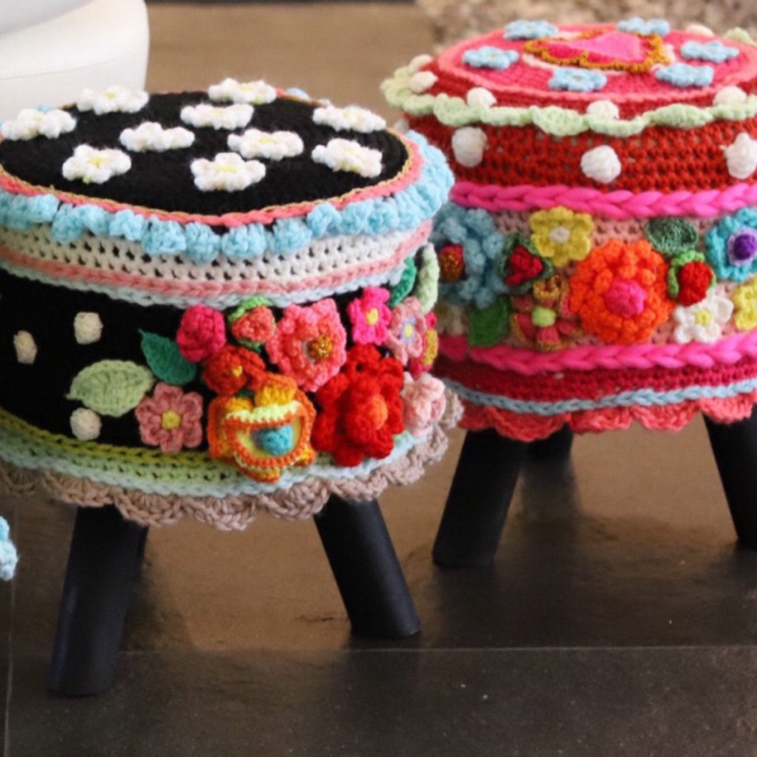 crochet workshop stool pillow by pollevie nr1