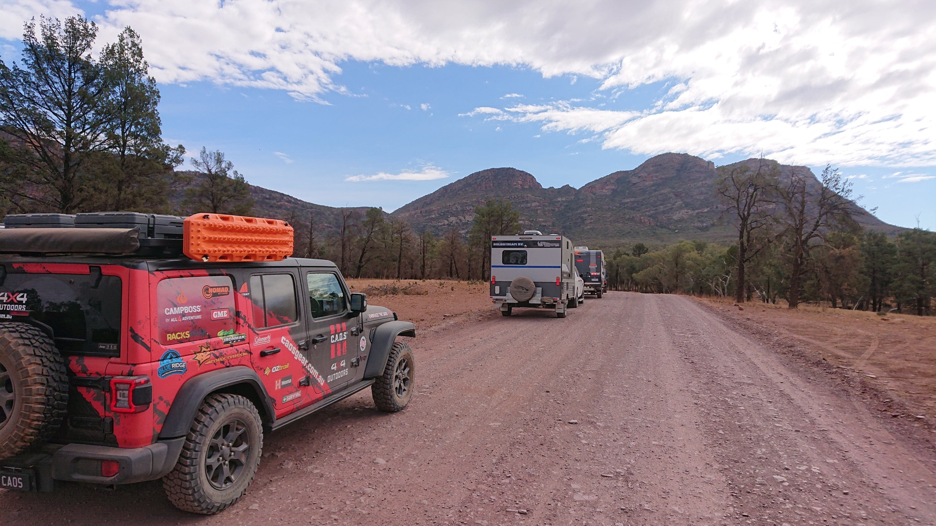 CAOS 4x4 On The Road To Wilpena Pound