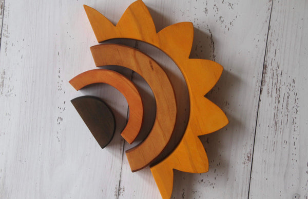 Natural Wooden Sunflower Stacker