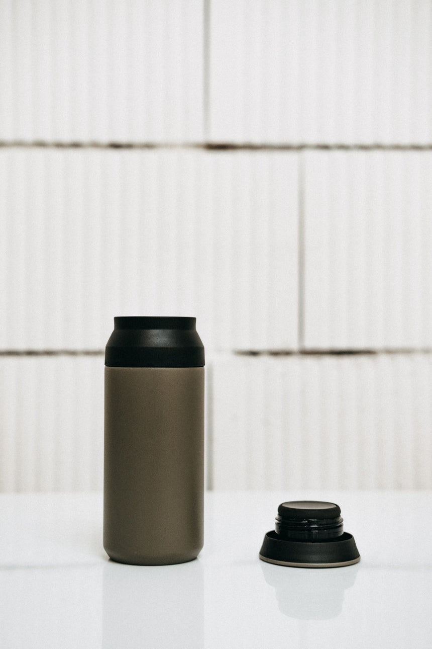 Kinto Travel Tumbler — khaki 350 ml