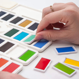 Ezigoo | Watercolour Paint Set 38 Colour Half Pans + 1 Aqua Brush and 3 Sponges