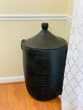 Load image into Gallery viewer, BLack leather hamper - Nene Touti