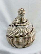 Load image into Gallery viewer, Sweet Grass Decorative Pot - Jarra (2 colors)
