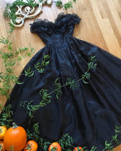 Load image into Gallery viewer, Authentic 1980's vintage black swiss dot Gunne Sax strapless midi dress