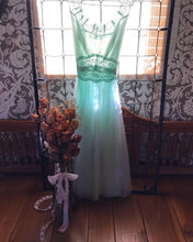 Load image into Gallery viewer, Authentic 1960's pale mint green Vanity Fair peignoir 2 piece set