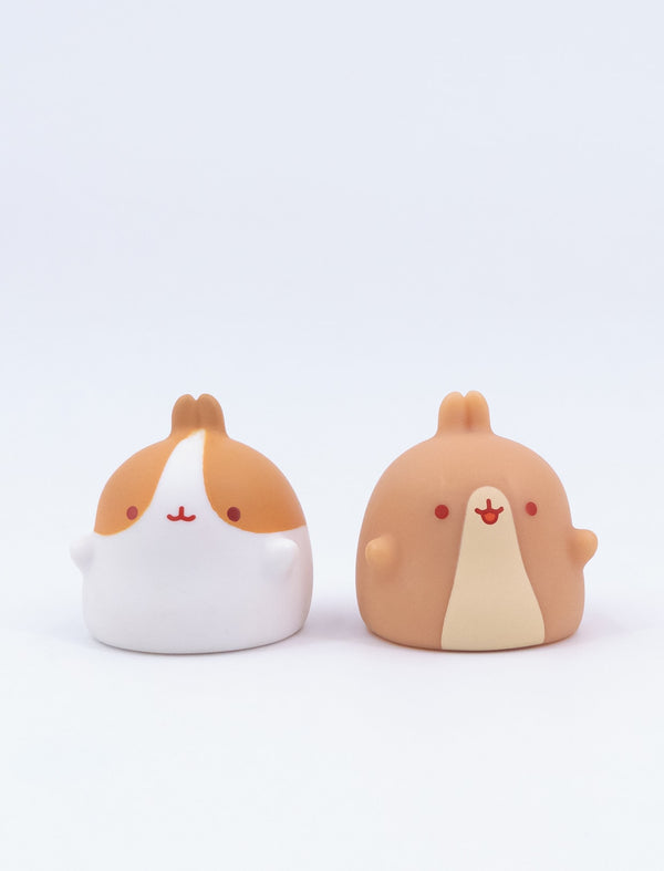 A cute Molang finger figures of Pincos.