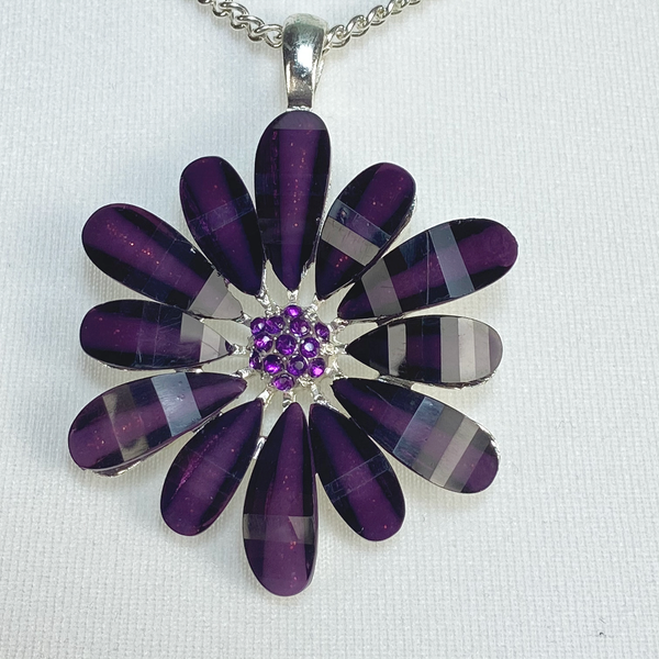 Necklace with purple flower