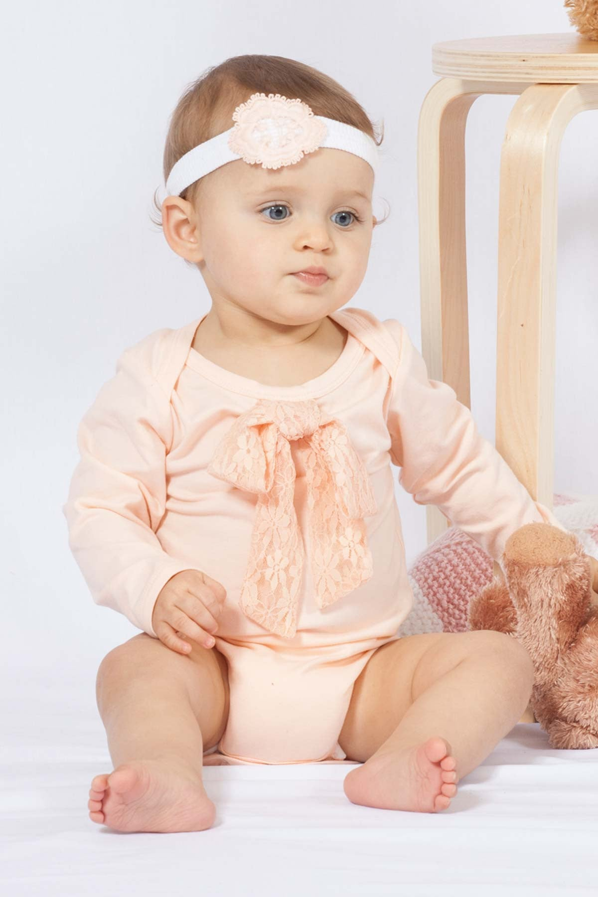 Buttons Boutique Babywear Baby Bow