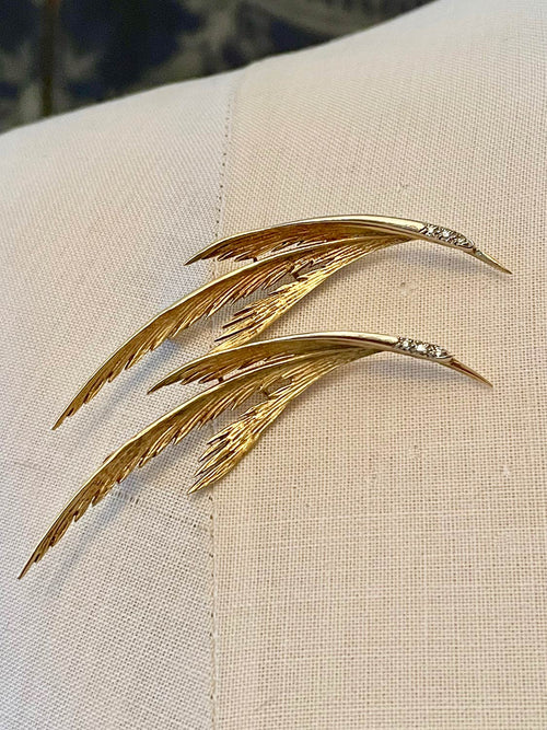Chasseur pair of birds brooch