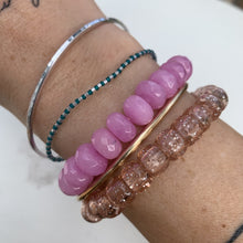 Load image into Gallery viewer, lilac glass bracelet