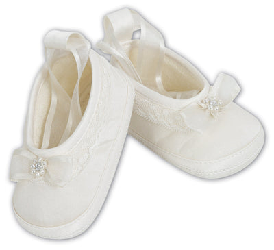 Sarah Louise Ivory Christening Shoes 004408