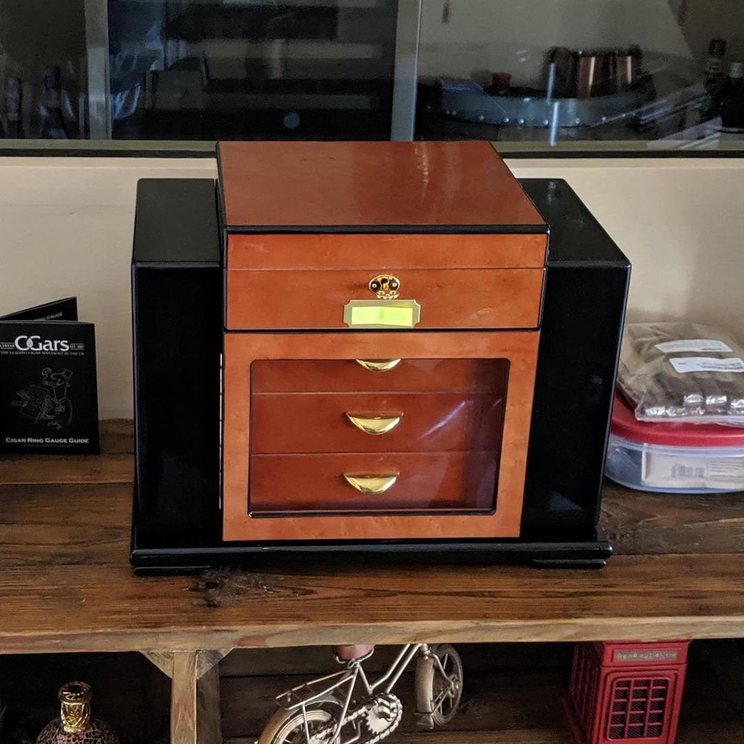 Smoker's Guide To Best (and Worst) Cigar Humidors – Read This Before You Buy!
