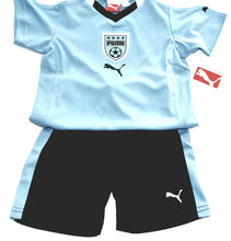 Load image into Gallery viewer, Puma Boys Football Kit