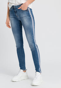 BLUE JEANS WITH SIDE STRIPE