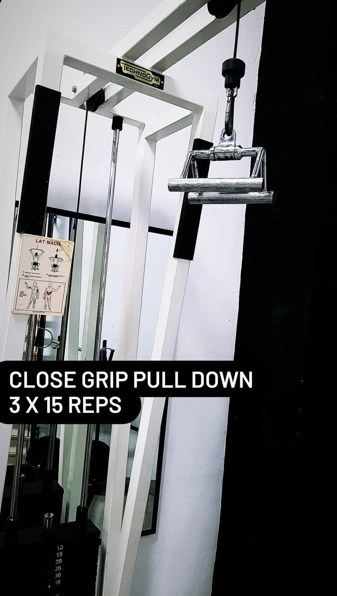Close grip cable pull down
