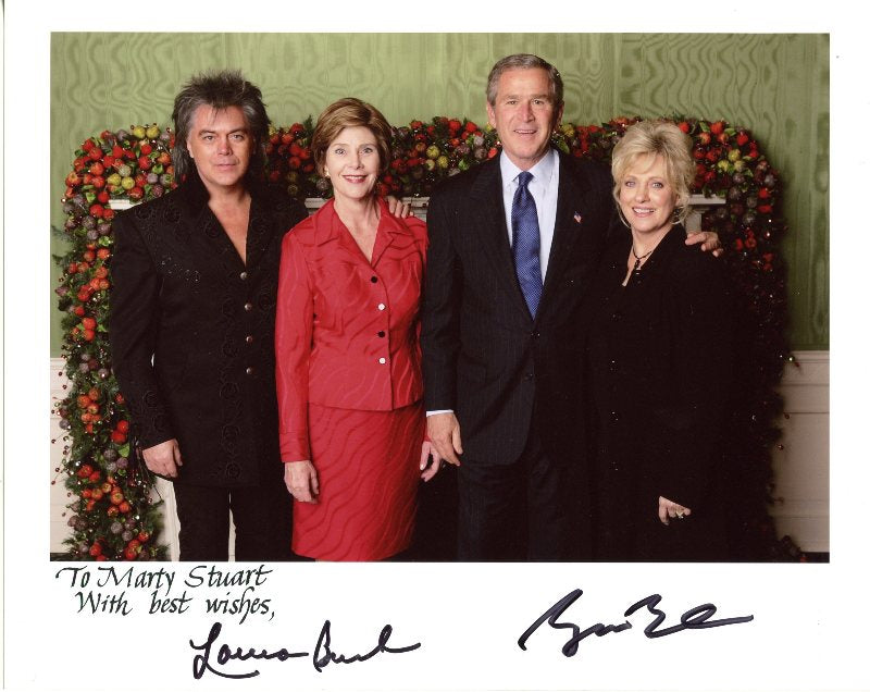 Performs for Laura Bush and George W Bush