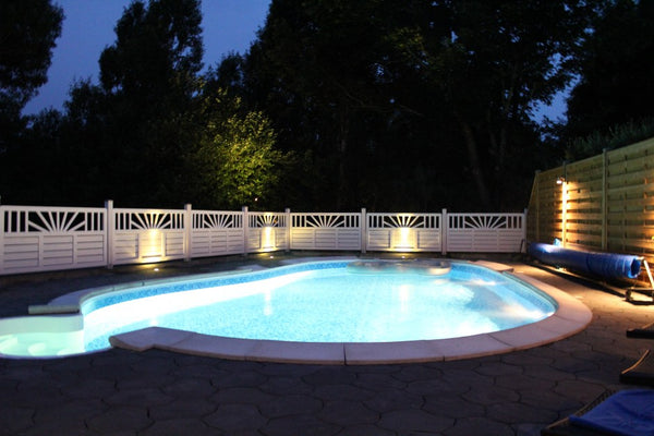Poolen by night