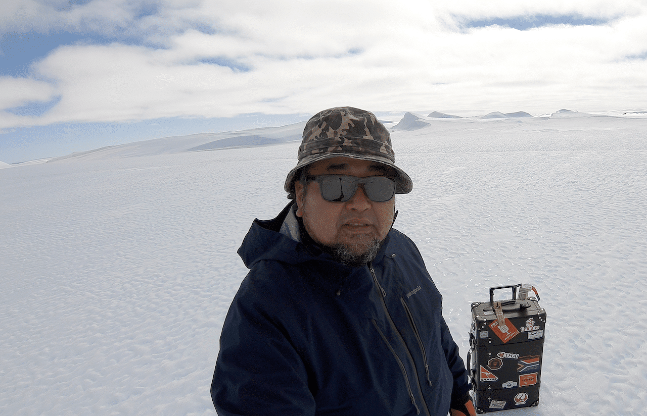 Globetrotting With… Uncle Antarctica